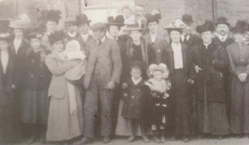 Chapel members in 1907